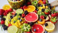اكل الفواكه قبل النوم مباشرة .. هل تُعد عادة غذائية صحية؟